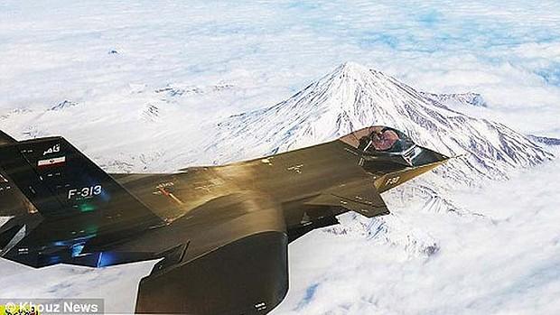 Qaher-313 по време на полет. Изт: petapixel.com
