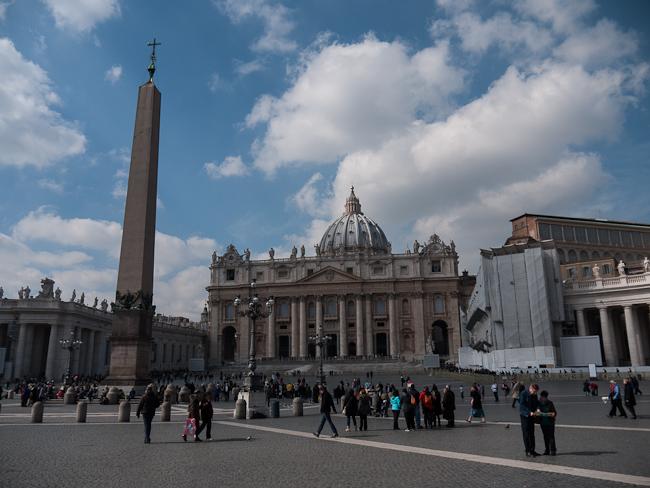 Площад св. Петър, Ватикана