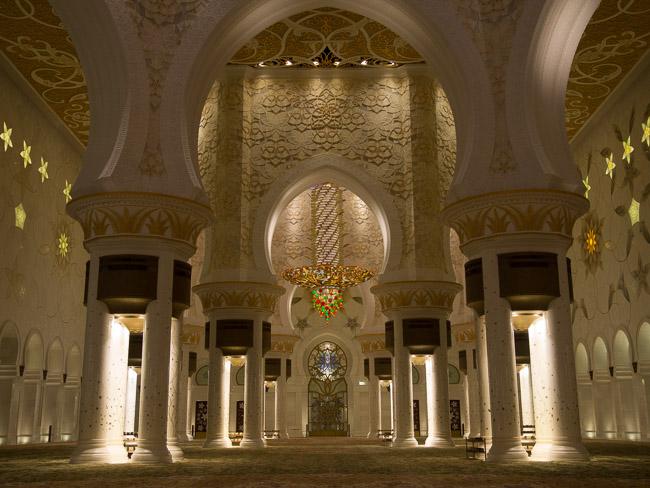 Бялата джамия в Абу Даби